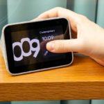 Lenovo: Este es el despertador inteligente para Navidad